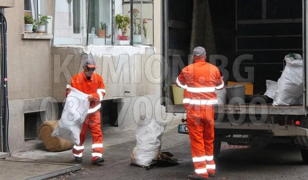 Извозване с чували от мазета и тавани в София